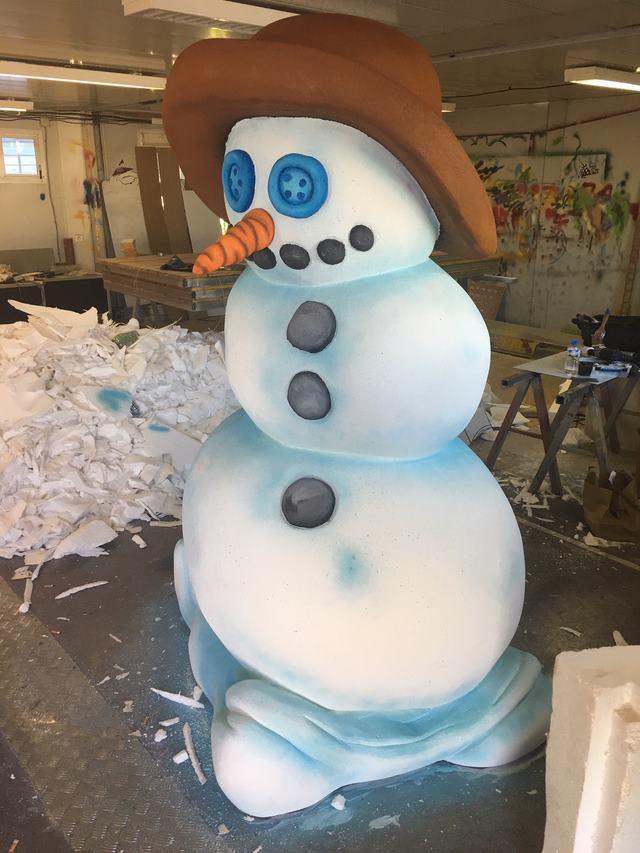 Sculpture polystyrene bonhomme de neige